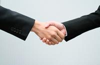 提携税理士、社労士、司法書士、弁護士とのワンストップサービス。